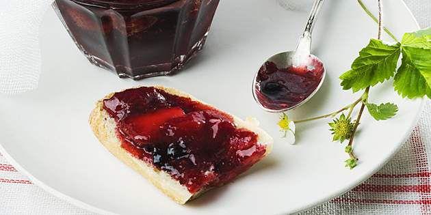 对水果涂抹酱、果冻及果酱生产进行优化及增香。