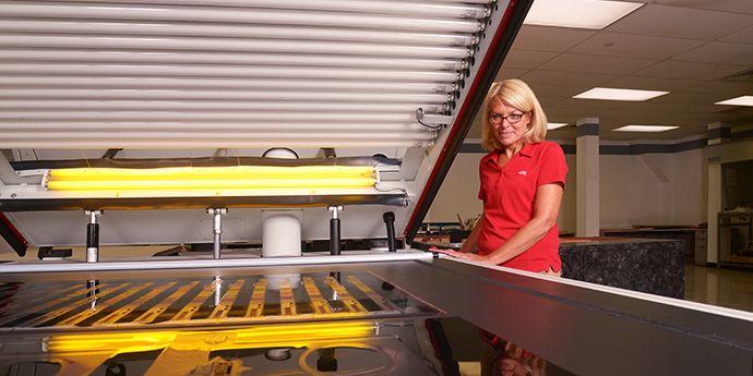 對于傾向溶劑制版工作流程的印刷廠,Cyrel® 提供了各種解決方案,滿足您的效率和質量需求