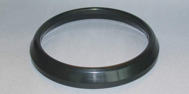 Autmotive trasmission seals made of Vamac®