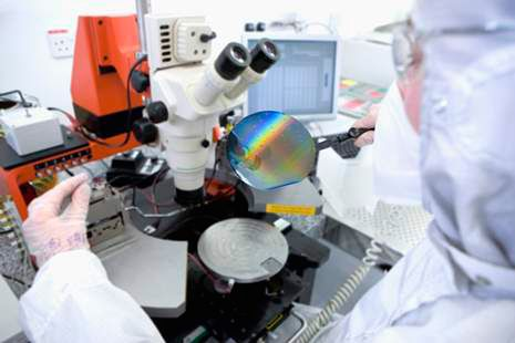 Kalrez® semiconductor processing seals in wafer-fabricating operations.
