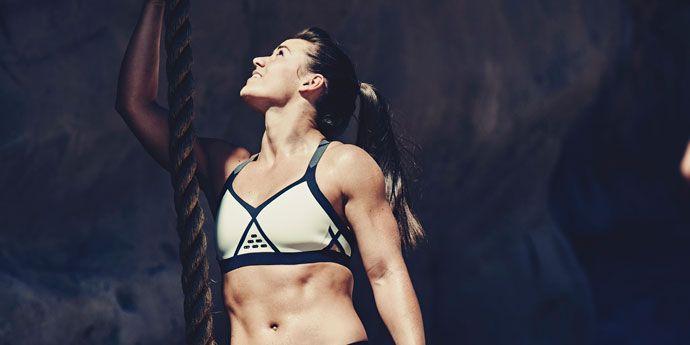 穿着采用了乐天堂体育投注™ Kevlar® 材料制成的CrossFit® 新系列运动服的运动员