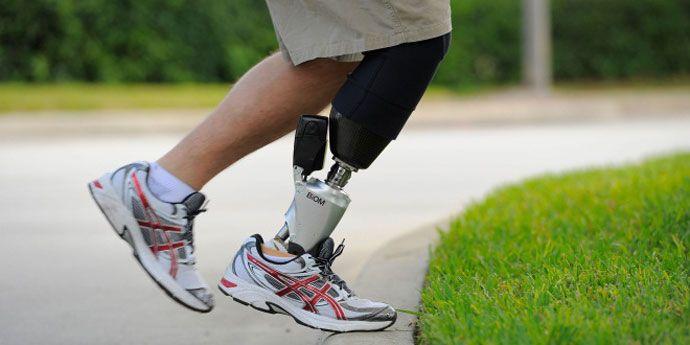 使用了Kevlar® 材料進行同步帶加固的電動足踝假肢