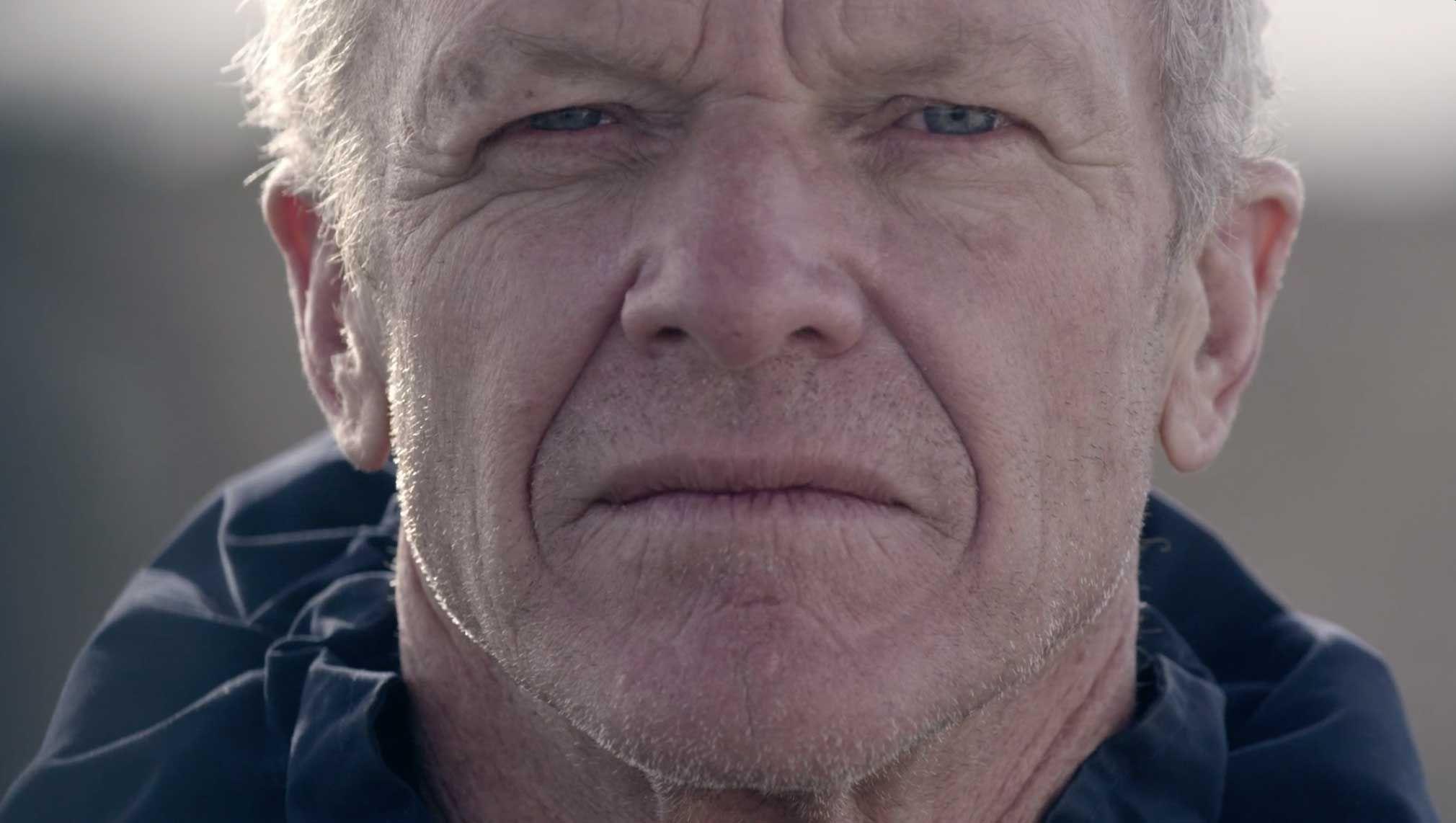 敢于同Kevlar® 一起突破極限的沖浪愛好者Gary Linden