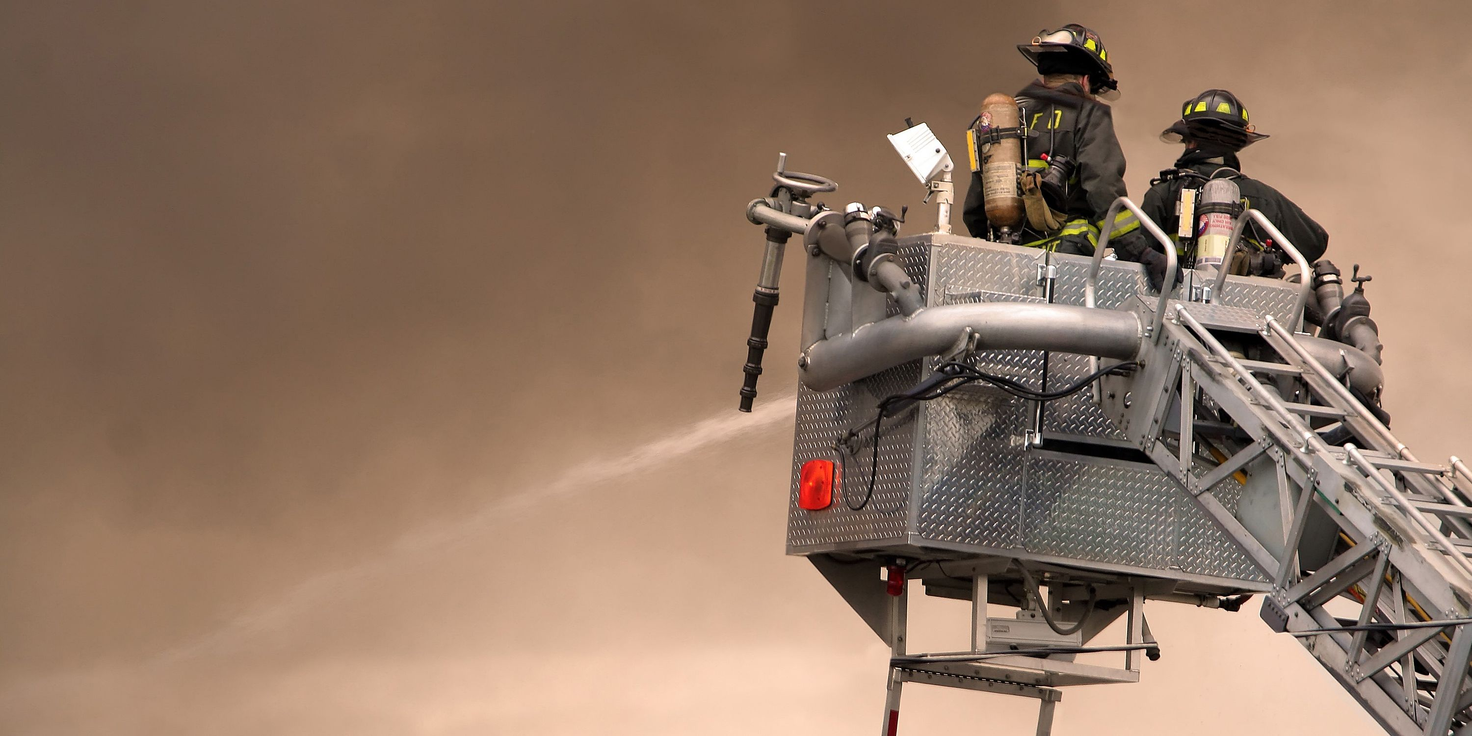 DPT_Kevlar_Nomex_Firefighters_On_Ladder