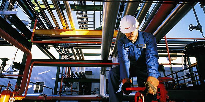DPT_Nomex_Photo_Article_Refinery Worker Survive Flash Fire_Content