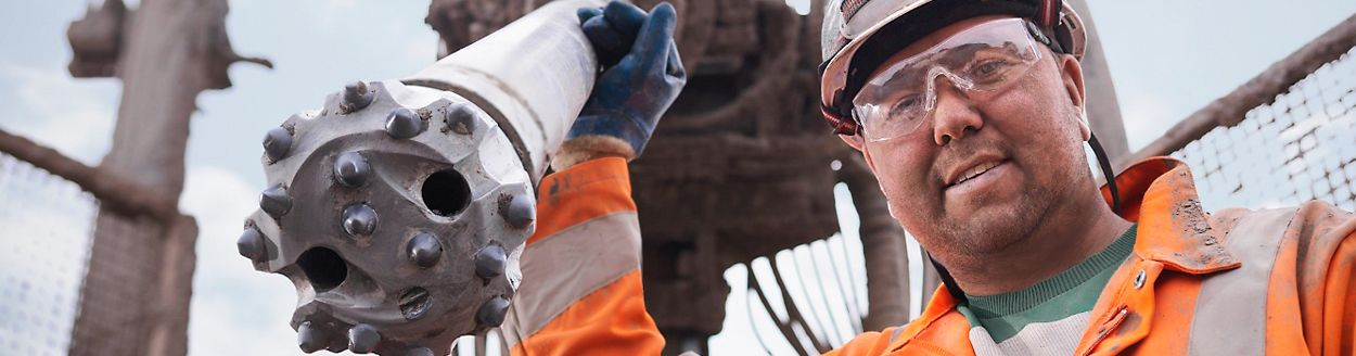82fa20da560 FR Safety Clothing for Oil   Gas Industry