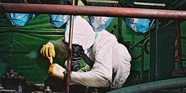杜邦™ Tyvek® 防护服系列产品为作业人员和工艺流程提供最大限度的化学、粉尘防护。