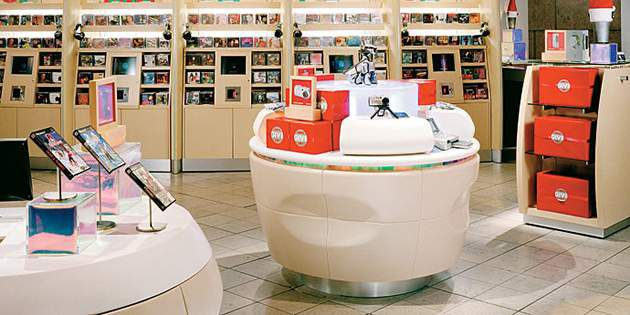 Retail Store Design Ideas at The Sony Store