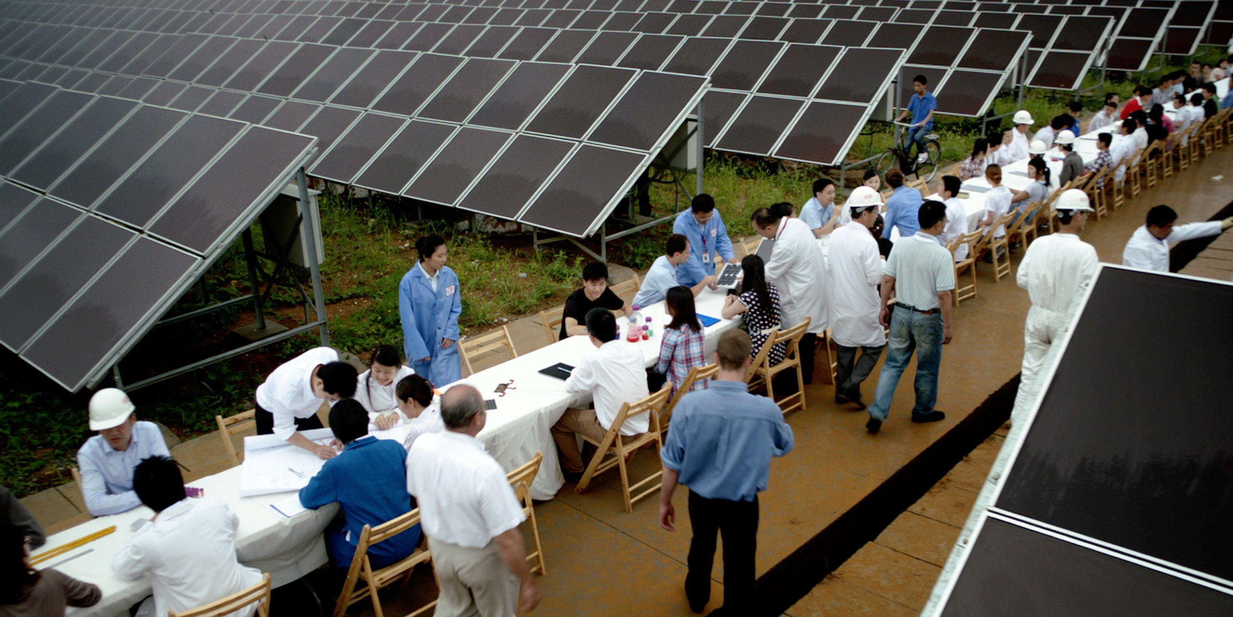 DuPont Anthem Photovoltaic Table