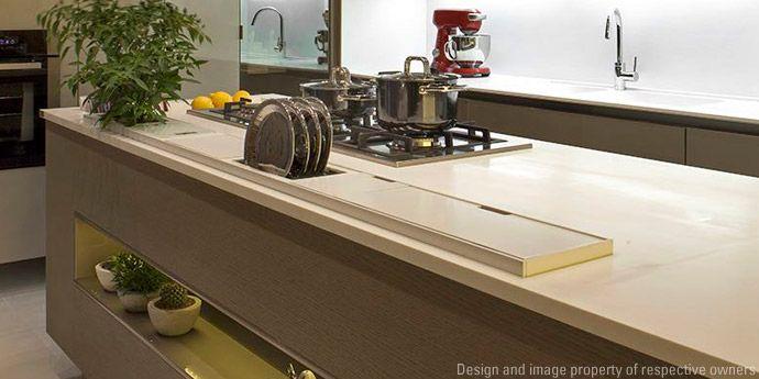 Cozinha com sala de almo o por arqmulti dupont brasil - Corian de dupont ...