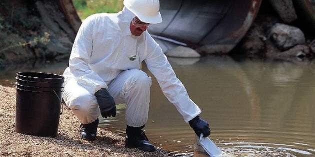 DuPont™ ProShield® garments helps protect industrial workers with limited use and comfortable non-hazardous protection.