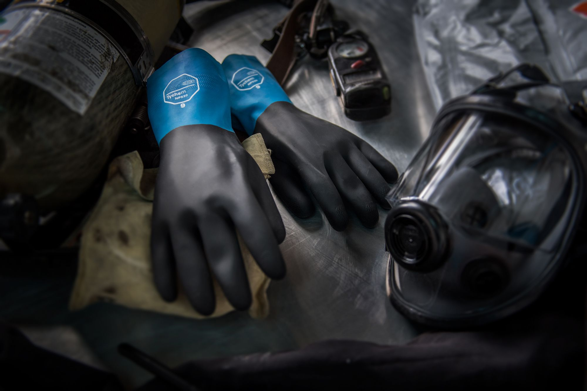 DuPont™ Tychem® gloves