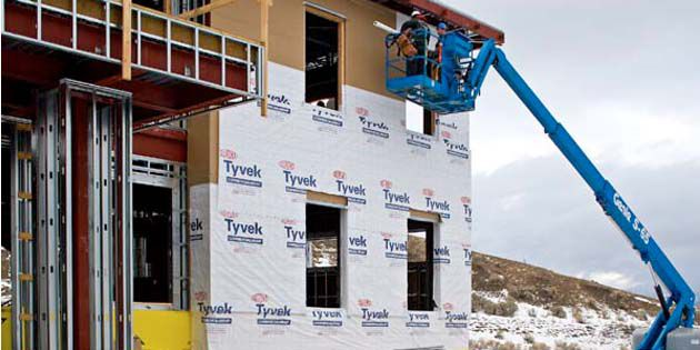 DuPont™ Tyvek® helps to protect and preserve buildings at Yellowstone Park, USA