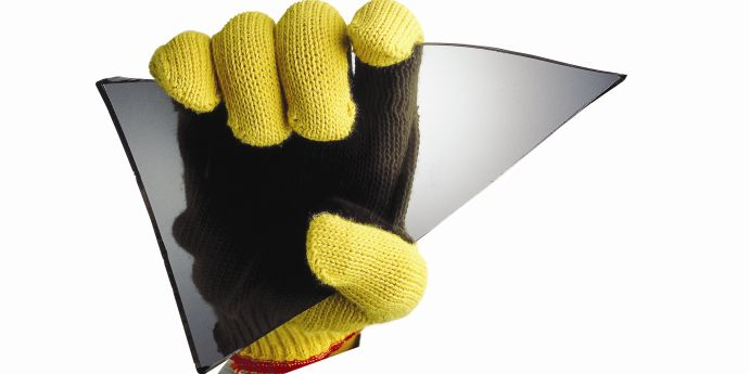 dpt_kevlar_glove_with_glass_690x345
