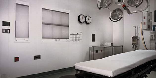 Edward Hospital采用可丽耐®进行室内墙面装饰的手术套间