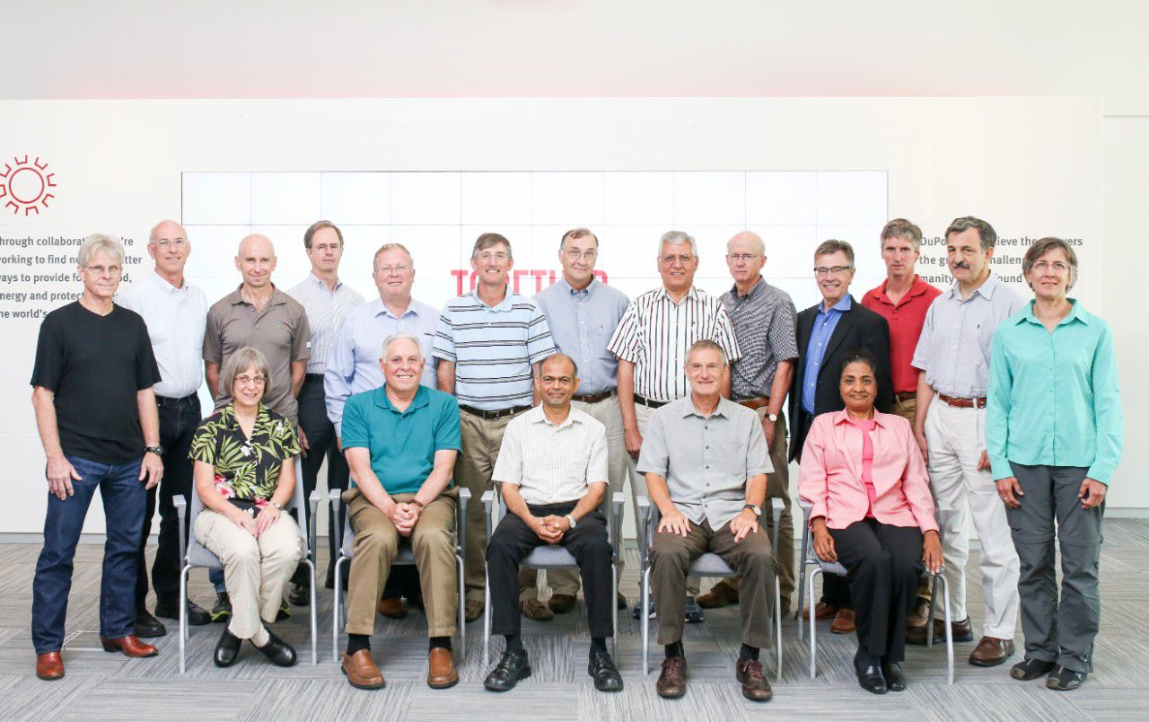 Newest Group of DuPont Fellows Focus on Crops