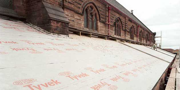 During the challenging restoration of St Augustine's in Scotland, skilled craftsmen were able to faithfully recreate the original unventilated roof – while also improving energy efficiency and working to meet new Building Regulations – with the help brand-leading breather membrane DuPont™ Tyvek® Supro.