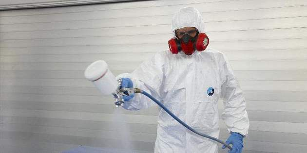 Tyvek® 400 Dual coveralls feature Tyvek® protection on the front with a large breath